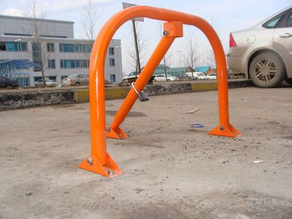 Установка, монтаж парковочного барьера на асфальт на металлические анкера