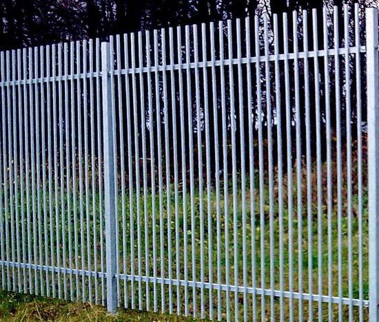 Как сделать забор из профтрубы